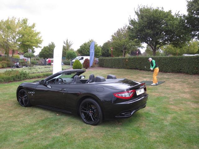 Champagnerkorken Chippen in den den Maserati