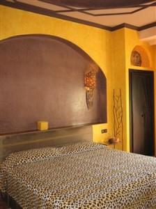 Marokko_Riadana_Bett